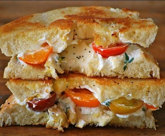 Bagel Grilled Cheese with Heirloom Tomatoes and Thyme Sandwich