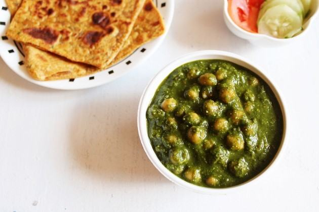 How to Cook Chana Palak or Spinach Chickpeas Curry