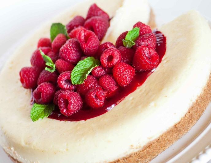 How to Make Banana Berry Cheesecake Greek Yogurt