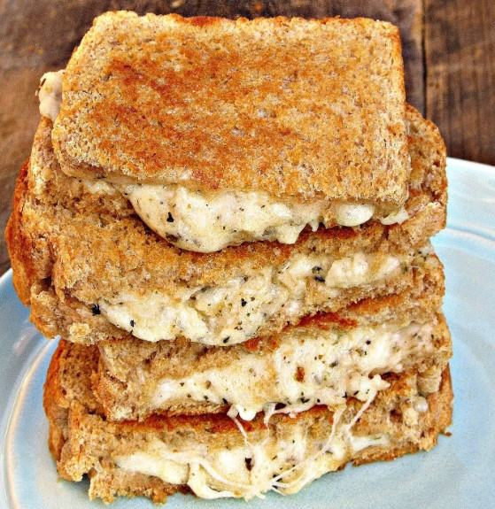 how to make Three Cheese White Cheese Pizza Grilled Cheese