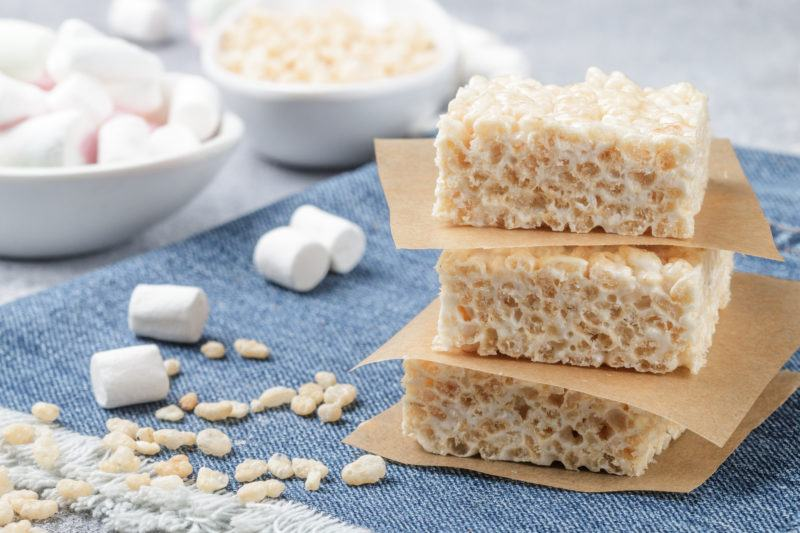 Homemade bars of Marshmallow and crispy rice and ingredients on